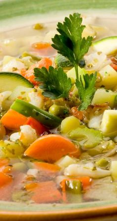Healthy Tuscan Vegetable Soup Recipe ~ with canellini beans, carrots, celery, zucchini, and spinach... Done in 35 minutes!