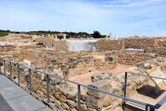Tossal de Manises. Alicante.   El Tossal de Manises es uno de los yacimientos más importantes de la Comunidad Valenciana que fue declarado en 1961 monumento histórico – artístico. El conjunto actual por el que podemos pasear imaginando (a través de los restos de su muralla, termas, etc.) cómo era este asentamiento que fue el origen de lo que hoy es la ciudad de Alicante consta de 30.000 m2 y fue inaugurado en julio de 1998.