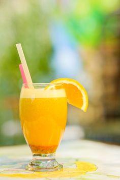 Aloe's gift: beauty, grace and springiness, through aloe vera, baobab, dates and oranges juice.