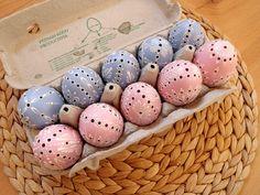 madeira Egg Shell Art, Carved Eggs, Egg Tree, Egg Shells, Easter Eggs, Decoupage, Carving, Pottery, Wood