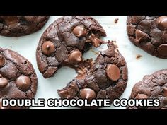 These Double Chocolate Cookies are all gooey and chewy deliciousness! Rich fudge cookies with lots of chocolate chips, you're going to love this recipe! Moist Chocolate Chip Cookies, Chocolate Cookie Dough, Fudge Cookies, Mint Cookies, Chocolate Cookie Recipes, Cookie Desserts, Sweet Cookies, Chocolate Fudge, Chocolate Chips