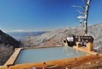 高峰温泉 長野県小諸市 標高2000m雲上の野天風呂は自然と一体感になれる