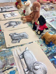 Still Life Toy Drawings (Charcoal) gr. 7th Grade Art, Middle School Art Projects, Ecole Art, Art Curriculum, Art Lessons Elementary, Art Lesson Plans, Art Classroom, Art Plastique, Teaching Art