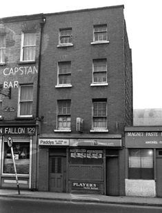 The Lord Edward and Fallon's – two Dublin 8 institutions Dublin Pubs, Dublin City, Dublin Ireland, Ireland Pictures, Old Pictures, Old Photos, Pub Signs, England Uk, Bar