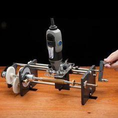 Beall Pen Wizard Ornamental Pen Lathe -Create stunning patterns and textures on any pen or pen mandrel project with the Beall® Pen Wizard Ornamental Pen Lathe. This ornamental milling machine is simple to use and requires only a rotary cutting tool for use. #penturning #penmaking #woodturning