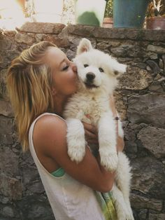 35 Samoyed Saturday Samoyed Photos Who doesnt love cute dogs and Samoyed are some of the cutest. They are like big lovable Teddy Bears Love My Dog, Cute Puppies, Dogs And Puppies, Cute Dogs, Doggies, Animals And Pets, Baby Animals, Cute Animals, Golden Retriever