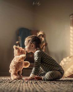 Teddy bear children's photography idea