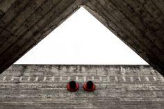 """Ensaio fotográfico """"Sesc Pompeia, Concreto Vermelho – 2013"""""""