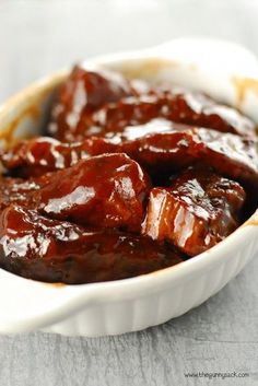 These amazingly-tender ribs only take 10 minutes to prepare, then they cook all day in your slow cooker! Slow Cooker Barbecue Ribs, Slow Cooker Chili, Best Slow Cooker, Bbq Ribs, Slow Cooker Desserts, Slow Cooker Recipes, Crockpot Recipes, Rib Recipes, Sauce Recipes