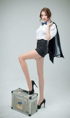 Shin Hae Ri - Elegant And Charming 2 Korean Model, Sexy Asian Girls, Up Girl, Beautiful Legs, Asian Fashion, Sexy Legs, Daily Fashion, Asian Woman, Beauty Women