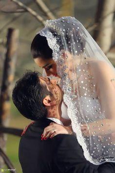 Love the veil!