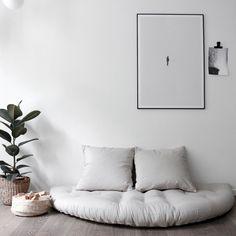 NIDO futonvuodetuoli - Karup Design - Futonnetti.fi Meditation Space, Meditation Corner, Room Decor Bedroom, Living Room Decor, Dorm Room, Floor Sitting, Best Decor, Relaxation Room, Décor Boho
