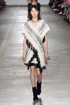 Roberto Cavalli Spring 2019 Ready-to-Wear Collection - Vogue Fashion Line, Fashion 101, Runway Fashion, Fashion Women, Roberto Cavalli, Spring Fashion Trends, Milan Fashion Weeks, Italian Fashion Designers, Winter Outfits Women