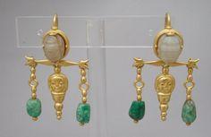 Earrings by Castellani, scarab, gold, emerald (?), Italy, circa 1860-1862