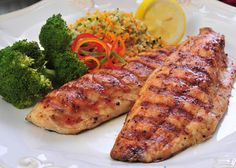 Grilled Mullet with Hot Mango-Honey Sauce / Entrees / Recipes / Home - Florida Department of Agriculture & Consumer Services Trout Recipes, Crab Recipes, Entree Recipes, Best Ever Pasta Salad, High Protein Recipes, Healthy Recipes, Oyster Recipes, Honey Sauce, Kitchens