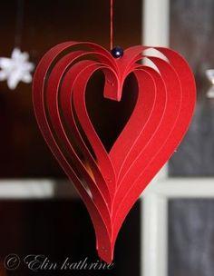 Paper Christmas Decorations, Scandinavian Christmas Decorations, Valentines Day Decorations, Valentine Day Crafts, Holiday Crafts, Christmas Hearts, Christmas Makes, Noel Christmas, Christmas Ornaments