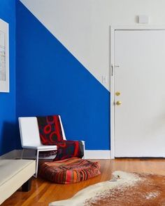 Articles about collection/small spaces on Apartment Therapy, a lifestyle and interior design community with tips and expert advice on creating happy, healthy homes for everyone. Half Painted Walls, Half Walls, Striped Walls, Blue Walls, Demis Murs, Houston Apartment, Sweet Home, Uk Homes, Home And Deco