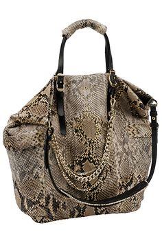 Jimmy Choo et son sac serpent sont à retrouver en ligne. // www.leasyluxe.com #exotic #amazing #leasyluxe