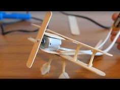 How to Build a Hand Made Plane Robots For Kids, Science For Kids, Science Projects, Projects To Try, Rubber Band Car, Cutlery Art, Diy And Crafts, Crafts For Kids, Ideas
