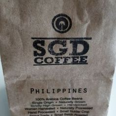 Learn about buying coffee beans online and what to look for. Full coffee bean information, recommendations and a list of top coffee Buy Coffee Beans, Fresh Coffee Beans, Arabica Coffee Beans, Coffee Exchange, Civet Coffee, Blue Mountain Coffee, Online Buying, Best Beans, Dark Roast