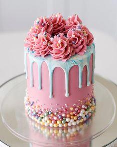 Crazy Cakes, Fancy Cakes, Mini Cakes, Cupcake Cakes, Birthday Cake Decorating, Cake Decorating Tips, Kreative Desserts, Beautiful Birthday Cakes, Fancy Birthday Cakes