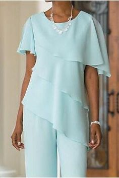 Mint Green Mother of the Bide Pant Suits 2018 Best Selling Comfortable Chiffon Trousers Set for Summer Wedding Custom Made Mother Of The Bride Suits, Mother Of Bride Outfits, Mother Of Groom Dresses, Mother Of The Groom Trouser Suits, Bride Dresses, Rehearsal Dinner Outfits, Beach Wedding Attire, Summer Wedding, Wedding Pantsuit