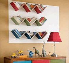 uniqe and fun dyi kids room decore   Decorate your kids walls with books.