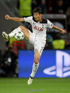 LEVERKUSEN, GERMANY - OCTOBER 18: Heung Min Son of Tottenham stops the ball during the UEFA Champions League group E match between Bayer 04 Leverkusen and Tottenham Hotspur FC at BayArena on October 18, 2016 in Leverkusen, North Rhine-Westphalia
