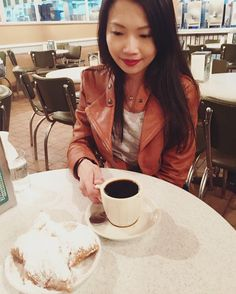 Staring attentively at those beignets  New blog post about my trip to New Orleans! (link in bio) #neworleans #nola #cafedumonde #beignets #traveldiaries #instatravel #travelgram #frenchquarter #donuts #yummyinmytummy by travelsizechic