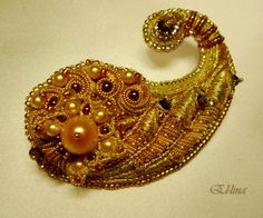 Embroidered brooch based on Paisley. (size 5,6 cm) Handmade. Goldwork embroidery and beadwork. Elena Emelina