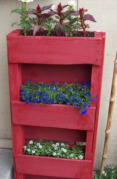 Garden Styling with Pallet Vertical Planter | Wooden Pallet Furniture