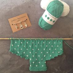 "Rachy auf Instagram: ""Knitting supplies arrived so I could finally get started on this sweet romper for Baby B Loving these cute progress keepers from…"" • Instagram"