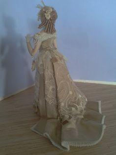 1:12 dama victoriana para casas de muñecas por PilarCalleMiniatures