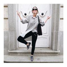 Monday Mood  GET THE LOOK ➡ @susanabananaa ➡Zapatilla Jogging Metalizado Plomo por SÓLO 29,90€