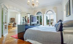 Luxury bedroom in Palma's Old City...;)