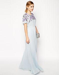 Vestido largo plisado con mangas adornadas de ASOS