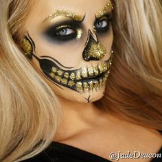 """glitter skull Products: •Face: @maccosmetics NC30 •Brushes: Sigmabeauty brushes •Brows gold…"""