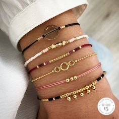 Cute bracelet with fine bordeaux colored cords and in the middle a line of beads. A chic eye catcher in your bracelet set. Wish Bracelets, Handmade Bracelets, Jewelry Bracelets, Handmade Jewelry, Colorful Bracelets, Cute Jewelry, Beaded Jewelry, Bracelet Crafts, Bijoux Diy