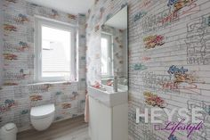 Graffiti Tapete, Gestaltung Gäste Bad Http://www.maler Heyse. MalerLiving  WallsB.A.DHtmlHanging ...