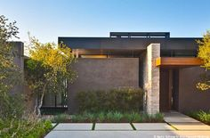 Love this home. It reminds me of our house on Keim Drive in Phoenix...warm modern. #architecture