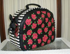BETSEY JOHNSON TRAIN CASE WEEKENDER ROSES POLKA DOTS TRAVEL BAG LUGGAGE