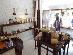 UBUD  Kou : petite boutique dans laquelle on trouve de jolis savons bio au jasmin.   Jl Dewi Sita Br Ubud Kelod  Ubud  Gyanyar 80571