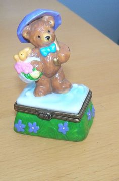 midwest cannon falls Trinket Box bear APRIL birthday Hinged Penny Auctions, Cannon Falls, Trinket Boxes, Bear, Birthday, Birthdays, Bears, Birth Day
