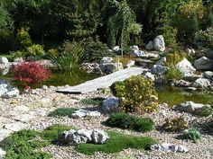 Strumień z kładką Lakes, Stepping Stones, Garden, Outdoor Decor, Stair Risers, Garten, Lawn And Garden, Gardens, Gardening
