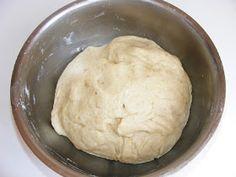 Aluat cu nuca Mashed Potatoes, Ethnic Recipes, Food, Whipped Potatoes, Smash Potatoes, Essen, Meals, Yemek, Eten