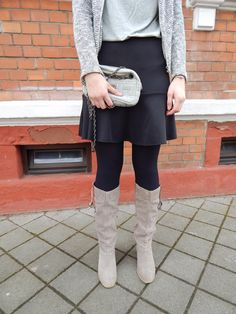 >casual in grey<