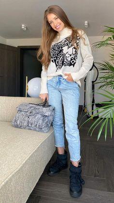 Cathy Hummels, Mom Jeans, Pants, Fashion, Moda, Trousers, Fashion Styles, Women Pants, Women's Pants