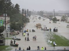 Tempestade tropical Harvey despeja mais de 1.000 mm de chuva em 96h evidenciando área de catástrofe em Houston Texas Estados Unidos