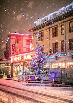 Christmas 2020 Seattle 10+ Best WA Seattle Christmas images in 2020 | seattle christmas