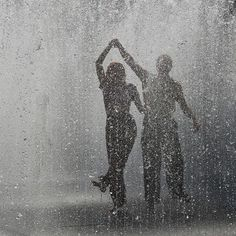 Cute Romantic Couples Black And White Photography In Rain (10)
